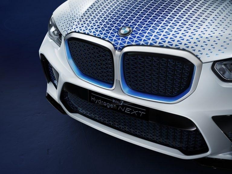 Xe BMW chạy hydro có giá rẻ như xe chạy xăng vào năm 2025