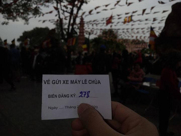 Hà Nội: Loạn 'chặt chém' tiền gửi xe tại các điểm du xuân