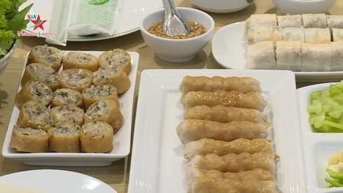 Vietnamese businessman brings grilled fermented pork rolls to Thailand