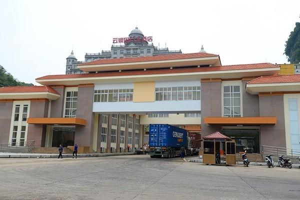 Lạng Sơn, tạm ngừng xuất nhập khẩu hàng hóa sang Trung Quốc