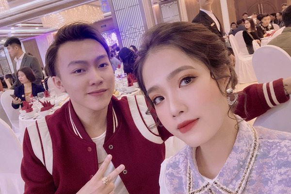 Bạn gái tin đồn của Quang Hải xuất hiện trong đám cưới Phan Văn Đức