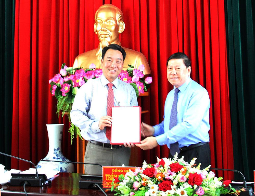 Ông Lữ Quang Ngời giữ chức Phó bí thư Vĩnh Long