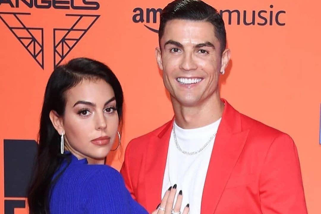 Bạn gái tuyên bố Ronaldo 'vô đối', giỏi nhất lịch sử