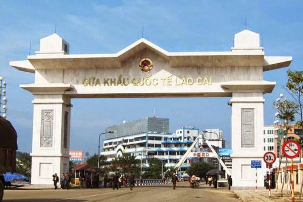 Biên phòng Lào Cai tạm dừng hoạt động xuất nhập cảnh ở các cửa khẩu phụ