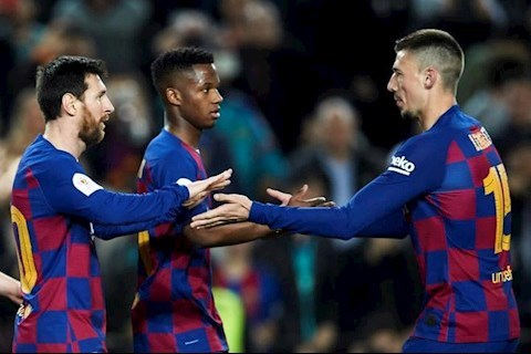 Messi lập siêu kỷ lục, Barca thắng kiểu 'bàn tay nhỏ'
