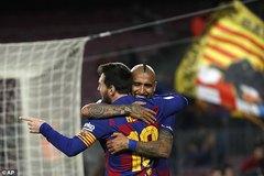 """Messi lập siêu kỷ lục, Barca thắng kiểu """"bàn tay nhỏ"""""""