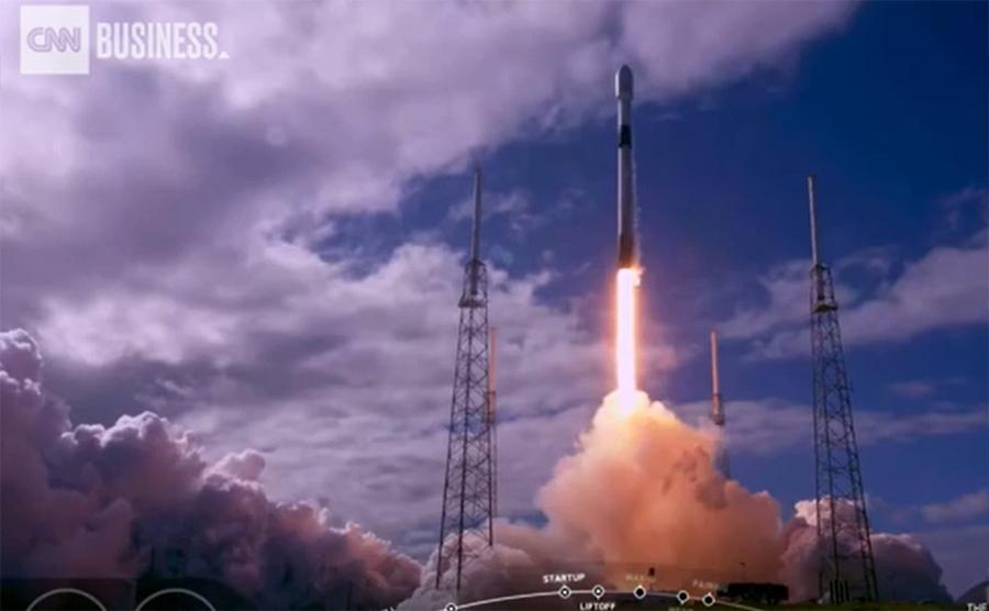 SpaceX tiếp tục phóng thêm 60 vệ tinh vào không gian