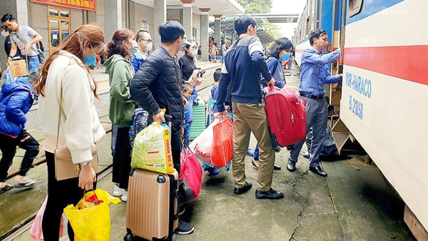 Bus ticket prices skyrocket after Tet