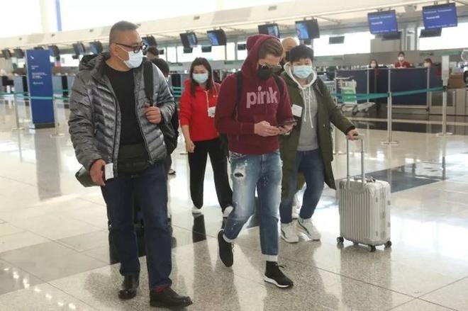 Quách Phú Thành bị chỉ trích vì lưu diễn giữa đại dịch corona
