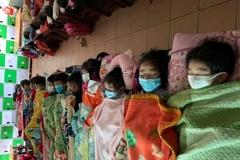 Sắm bình nước nóng ở lớp, cho trẻ ăn trưa nhiều canh ấm phòng virus corona