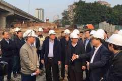 Chủ tịch Hà Nội chỉ đạo sớm hoàn thành đường vành đai 3 dưới thấp