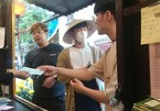 Hoi An offers free medical masks to tourists to combat novel coronavirus