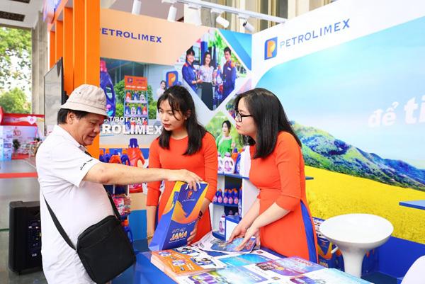 Gần 2.000 thẻ cào trúng thưởng dành cho khách mua nước giặt Petrolimex