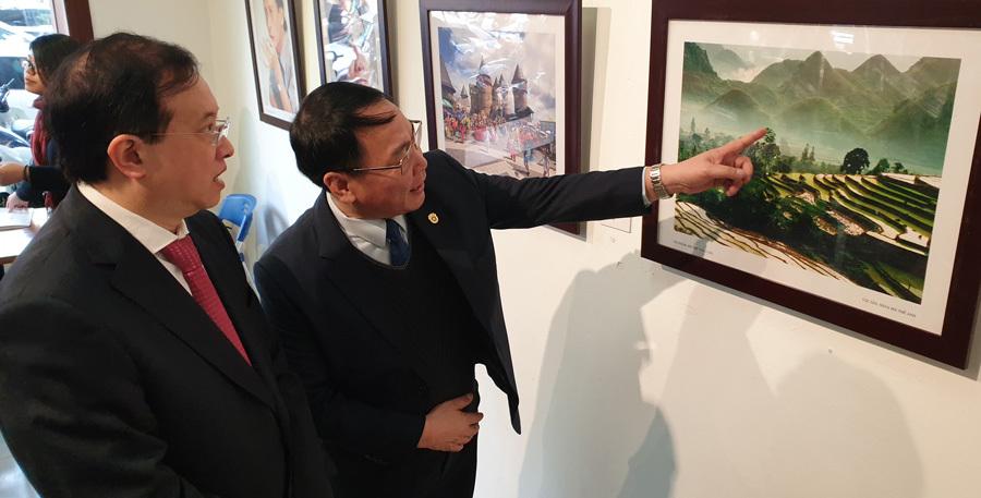 Khai mạc triển lãm 'Mừng Đảng, Mừng Xuân Canh Tý 2020'