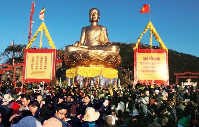 Dừng khai hội Xuân Yên Tử và các lễ hội vì đại dịch Corona