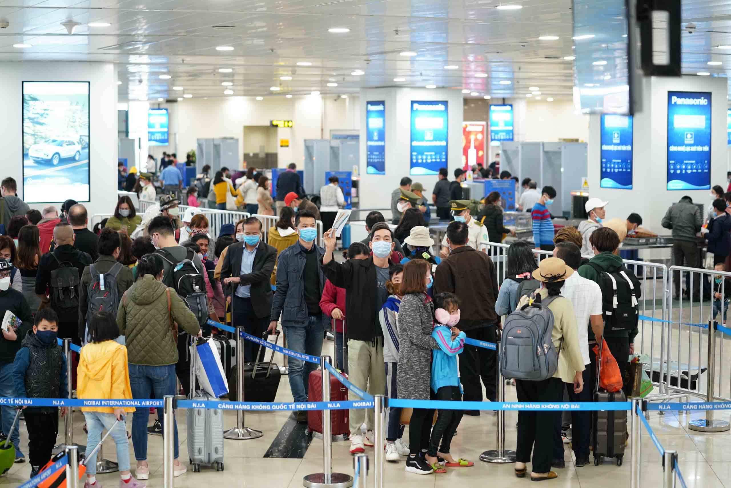 Lỗ hổng kiểm soát dịch virus corona từ các chuyến bay quốc nội?