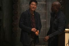 'Fast & Furious 9' tung trailer gây sốc: Lộ diện em trai Dom, Han bất ngờ hồi sinh