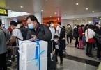 Nhóm khách Trung Quốc 'cố thủ' ở Nội Bài, không lên máy bay về nước