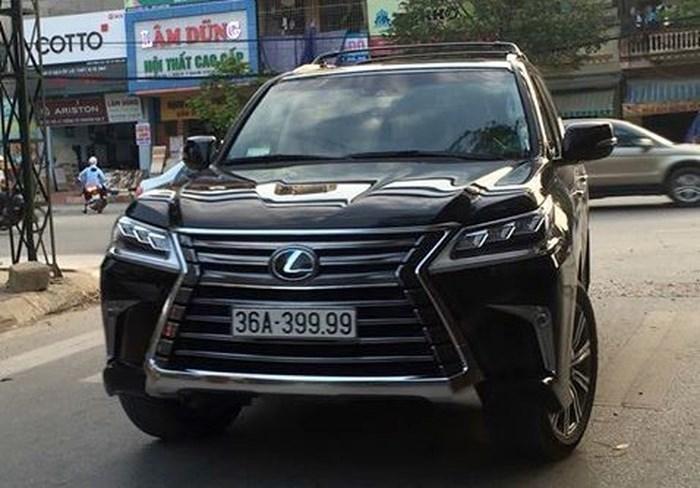 Chiêm ngưỡng những chiếc Lexus LX570 'biển khủng' tại Việt Nam