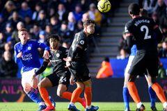 Chelsea chia điểm Leicester sau màn rượt đuổi hấp dẫn