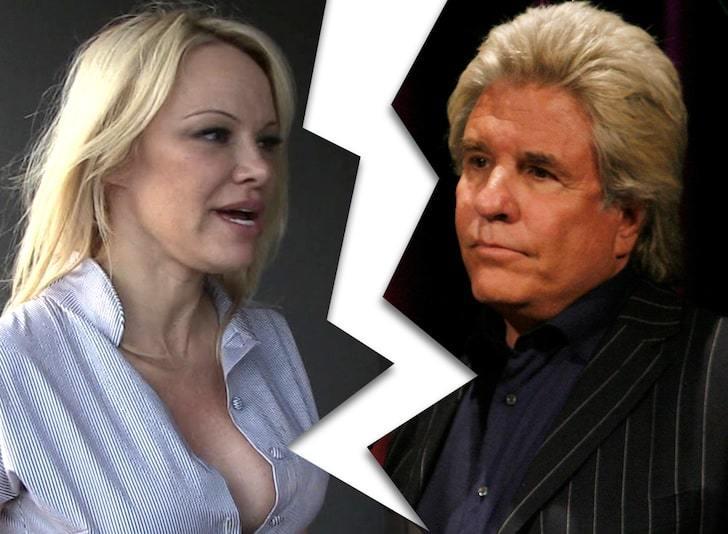 'Bom sex' Pamela Anderson chia tay chồng thứ 5 sau 12 ngày cưới