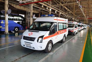 Cấp tập sản xuất xe cứu thương đặc biệt chống virus corona