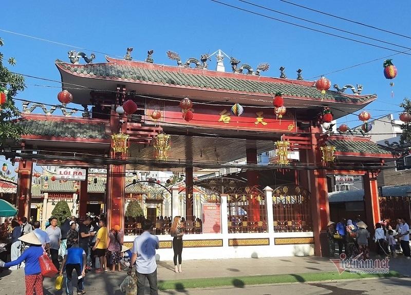Bình Dương dừng lễ rước kiệu lớn nhất Nam Bộ phòng virus corona