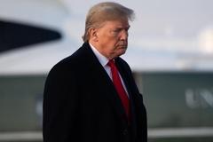 Tiết lộ loạt thư cáo buộc ông Trump giữ viện trợ của Ukraina