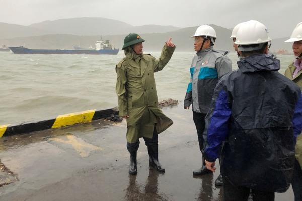Cách ly 5 tàu hàng cùng nhiều thuyền viên Trung Quốc trên biển Quy Nhơn