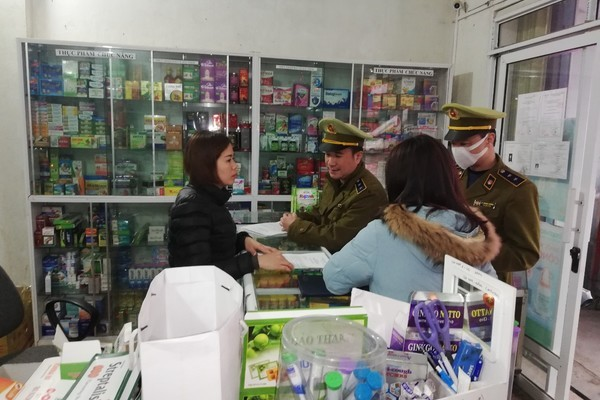 Tổng kiểm tra bán khẩu trang, xử 1.200 cửa hàng tăng giá, thu giữ 300 ngàn cái