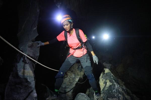 Hoa hậu H'Hen Niê và hành trình thám hiểm hang Sơn Đoòng