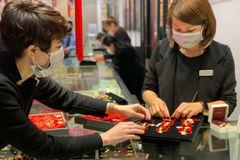Hình ảnh hiếm có, nhắc nhở đặc biệt khi mua vàng Thần tài năm nay