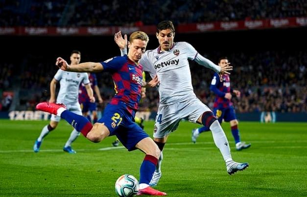 Messi truyền cảm hứng, Barca thắng nghẹt thở