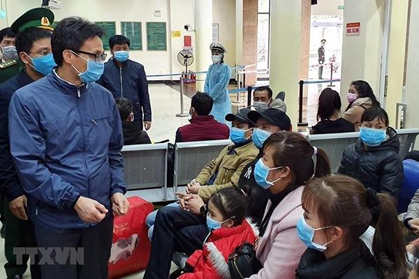 Phó Thủ tướng: Phải làm tốt việc đón người dân từ Trung Quốc trở về