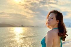 Đan Lê khoe ảnh bikini trẻ trung 'ăn đứt' gái 20