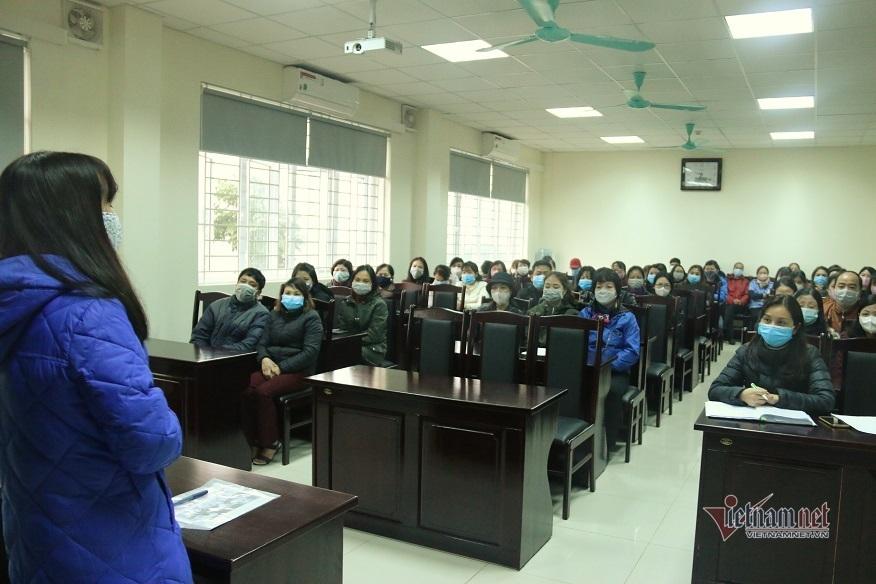 Giáo viên luộc khăn, chia rau...ngày nghỉ học phòng dịch virus corona