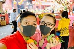 Dàn sao Việt mua vàng, làm cỗ cúng ngày vía Thần Tài