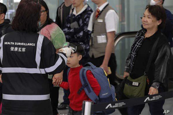 Hong Kong 'chặn cửa' qua lại với đại lục vì virus corona
