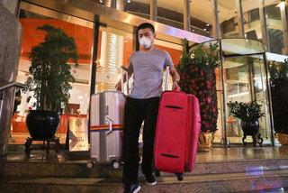 Những khách sạn không người vì virus corona