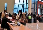 Nghe vận động, 500 người TQ chờ nhập cảnh vào VN quay về