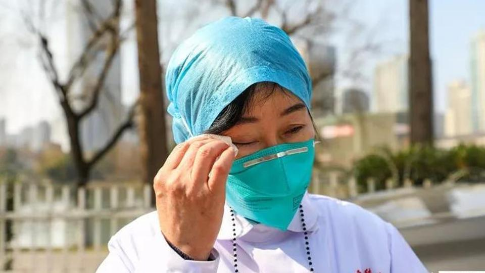 Nữ bác sĩ đầu tiên phát hiện ra virus corona