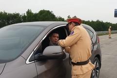 Một tháng tổng kiểm soát, CSGT xử phạt 20 nghìn lái xe vi phạm nồng độ cồn