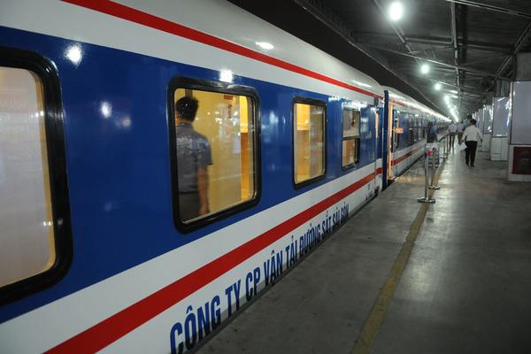 Ga Sài Gòn ngưng chạy nhiều đoàn tàu sau Tết, trả tiền 100% cho khách