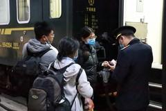 Dừng tàu khách do virus corona, tàu hàng quốc tế Việt-Trung vẫn chạy