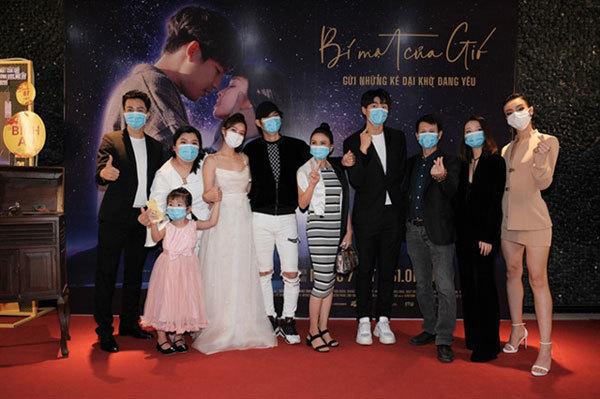 Coronavirus,film screenings delayed,Bí Mật Của Gió