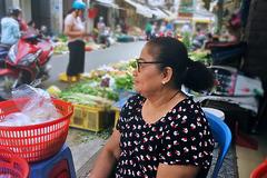 Giữa dịch corona, nhiều người SàiGòn không đeo khẩu trang