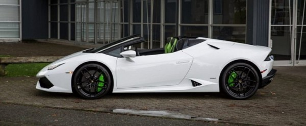 Lamborghini Huracan không sử dụng vẫn bị ngả màu, chủ xe kiện đại lý
