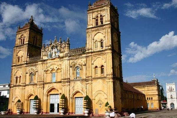 Nhà thờ Bùi Chu sắp được hạ giải trong vài ngày tới
