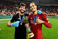 """Liverpool """"trói"""" Van Dijk và Alisson, quyết độc bá thiên hạ"""