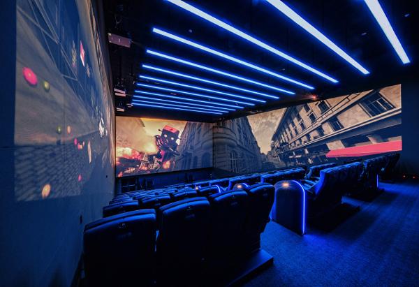 Rạp chiếu phim đóng cửa vì khán giả nhiễm virus corona